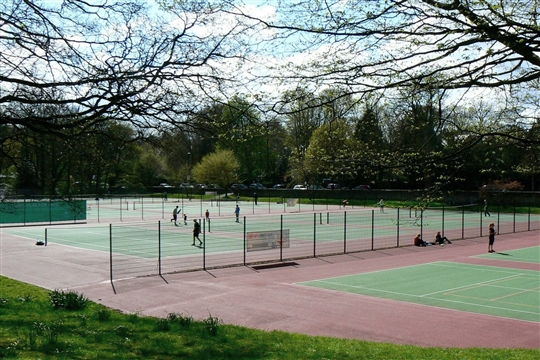 Roundhay Park Tennis Courts